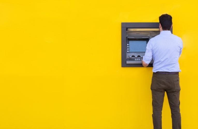 cuidado con el robo y el fraude en los cajeros